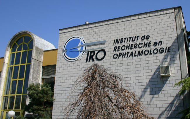 Enseignes - IRO - Découpe laser sur tôle aluminium lettre par lettre